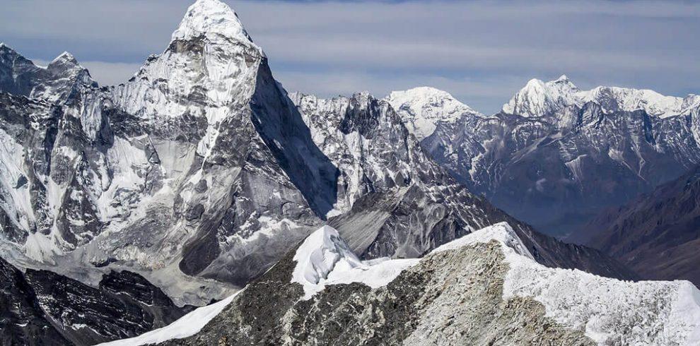 Everest Chola High Pass